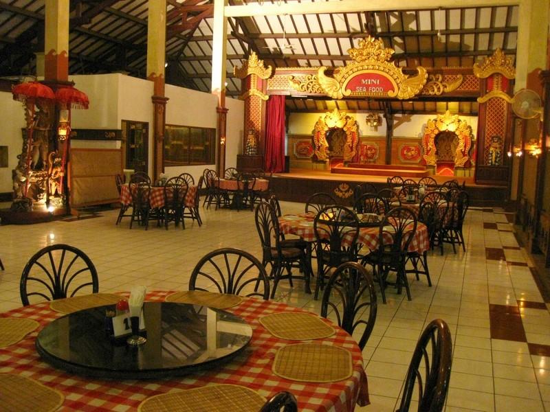 Ресторан в Куте. о.Бали. Индонезия.