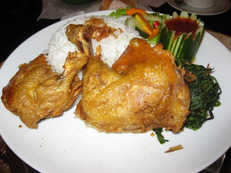 Курица с рисом. о.Бали