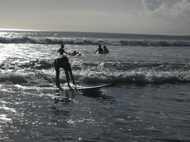 Ура! Я простояла на доске до самого берега! о.Бали / Бали Индонезия фото  / ketvilz.ru