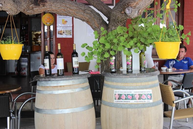 Разнообразие представленных на экскурсии вин. Кипр.