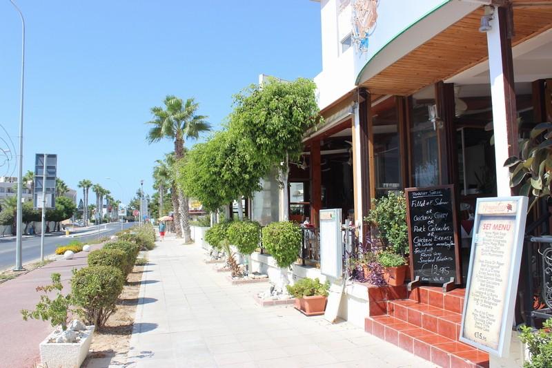 Кафе недалеко от порта г.Пафос. Кипр.