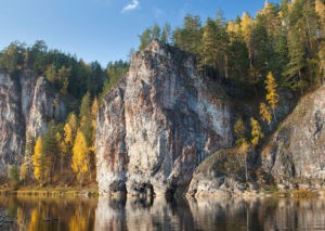 Камень Омутной, р.Чусовая / Достопримечательности реки Чусовая / ketvilz.ru