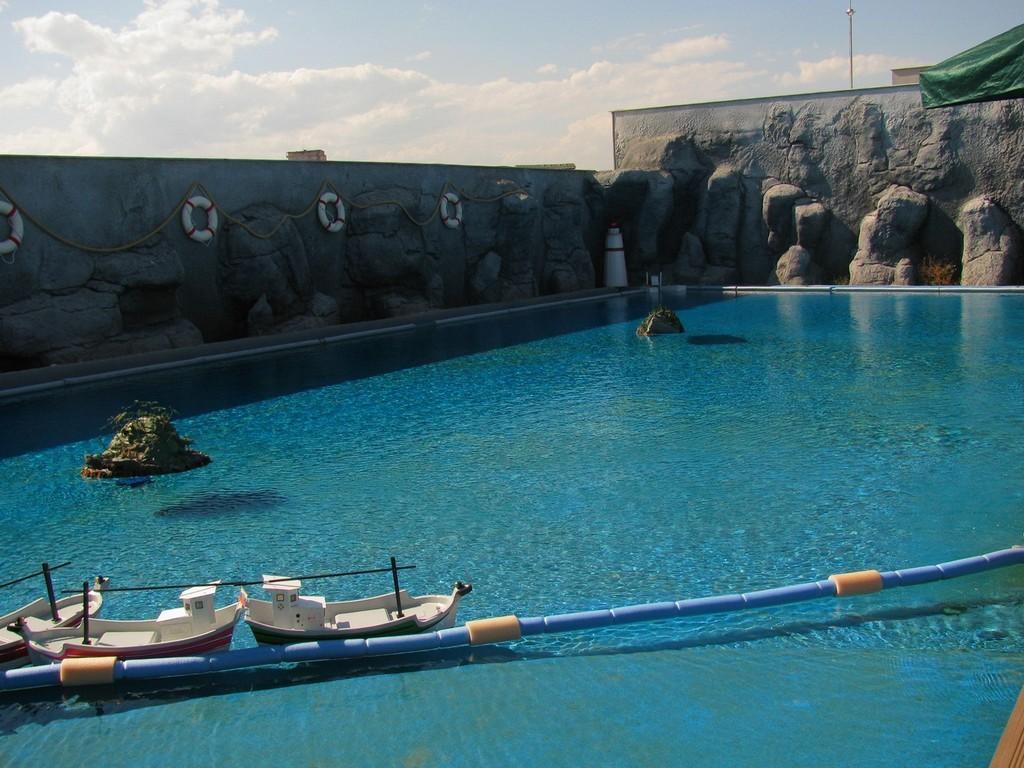 Океанариум в Анталии, Турция. Территория развлечений.