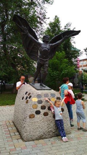 Памятник Никите-Летуну / Достопримечательности Кунгура / ketvilz.ru