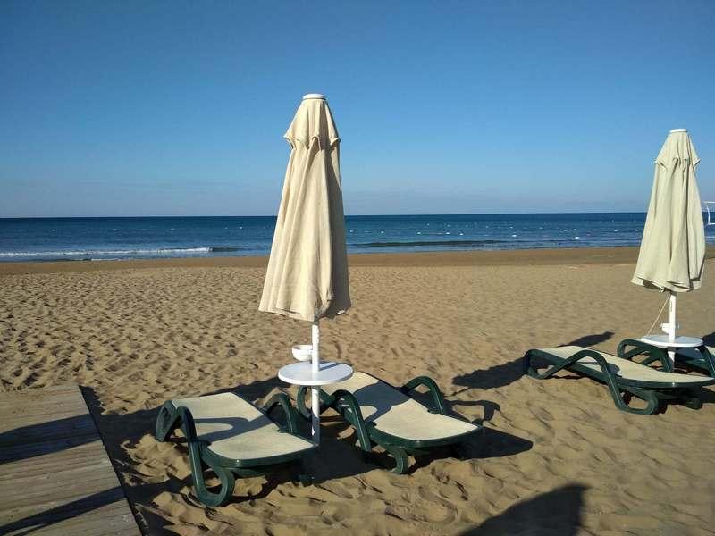 Чистые, просторные пляжи Турции / Почему туристы для отдыха выбирают Турцию / ketvilz.ru