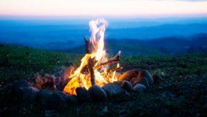 Для обогрева палатки используйте нагретые камни / Сделайте иглу, чтобы согреться зимой / как обогреть палатку в походе подручными средствами / ketvilz.ru