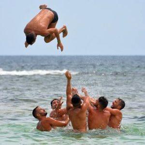 Если волна уносит в море, первое правило - не паникуйте / что делать если волна уносит в море /ketvilz.ru