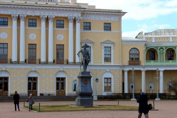 Павловский дворец, г. Санкт-Петербург/ketvilz.ru