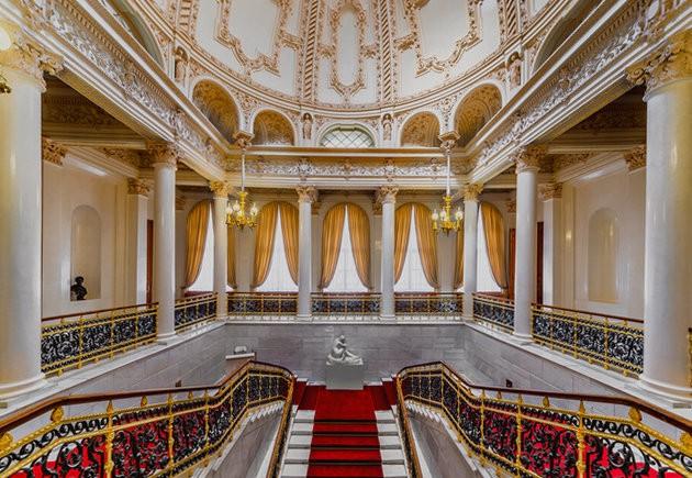 Музей Фаберже, парадная лестница / ketvilz.ru