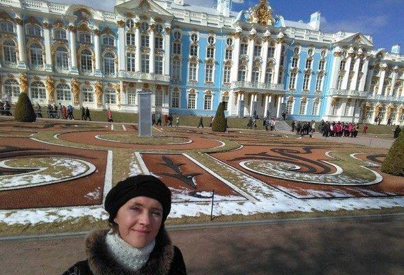 Около Екатерининского дворца / Екатерининский дворец Санкт-Петербург экскурсия / ketvilz.ru