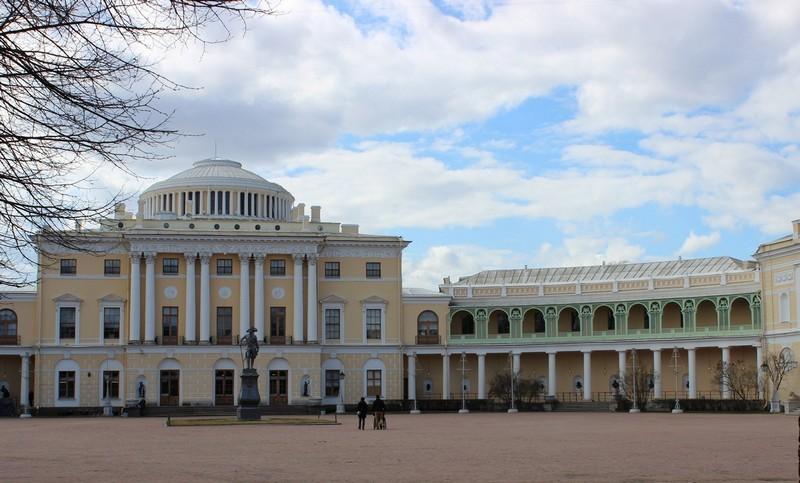 Павловский дворец. Центральный вход / Павловский дворец фото / ketvilz.ru